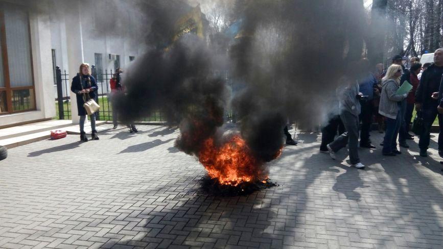 У Хмельницькому вимагають відставки обласного прокурора Синишина