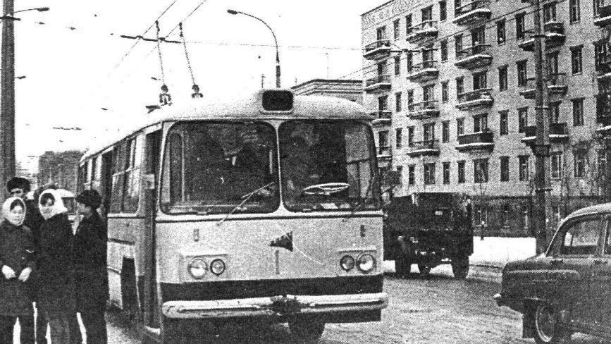 Автобус по 5 копійок і таксі з кіньми: яким був громадський транспорт Проскурова