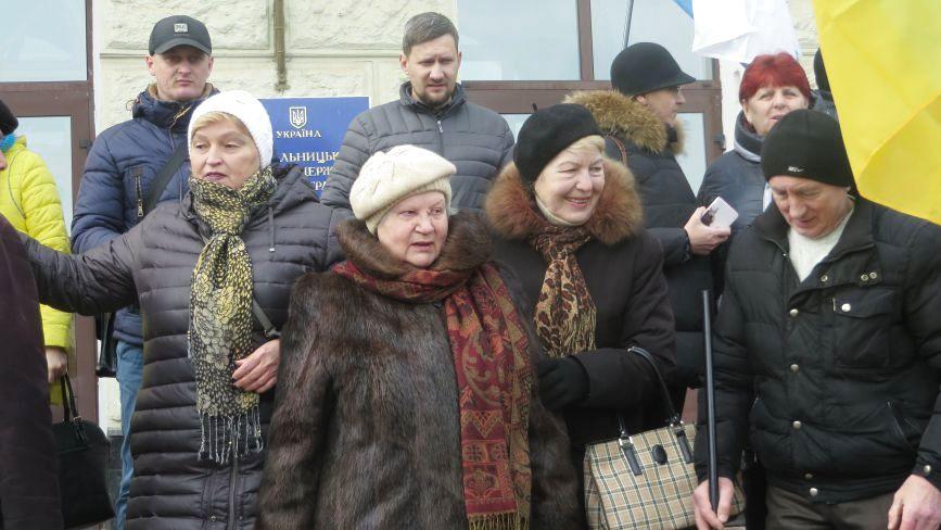 Марш за відставку Порошенка: хто прийшов на мітинг у Хмельницькому