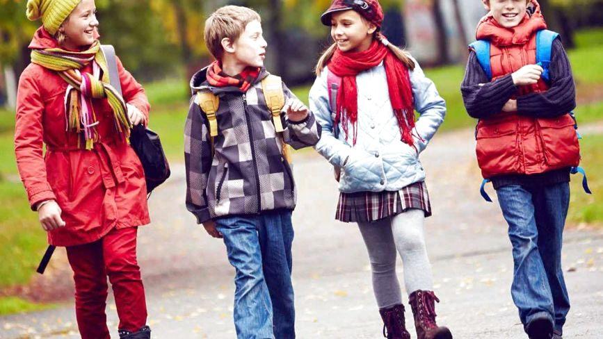 Чи варто одягати на дитину ношений одяг: думки хмельницьких матусь і поради лікаря