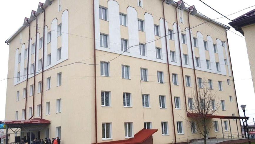 В Городку відкрили новий лікувальний корпус центральної райлікарні