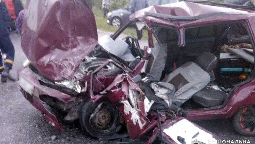 Одна смерть та троє травмованих. На Хмельниччині зіткнувся ЗАЗ та рейсовий мікроавтобус