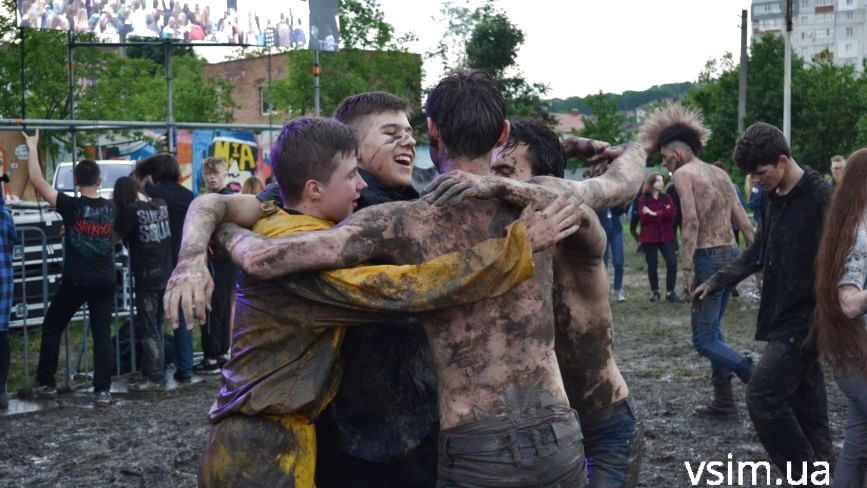 Фоторепортаж з фестивалю «Rock&Buh» у Хмельницькому. День #2