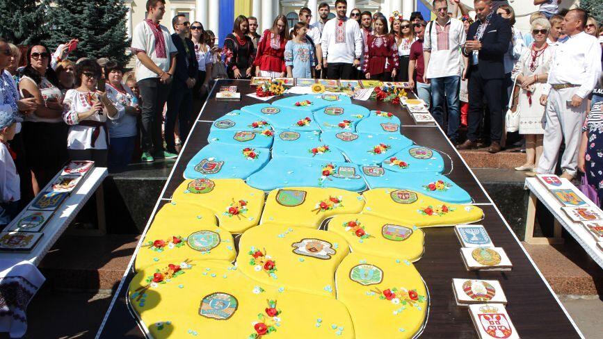 У День Незалежності у Хмельницькому встановили новий рекорд України (ФОТО)