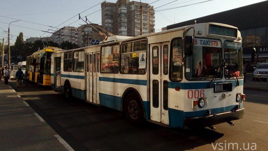 Транспортний колапс: у Хмельницькому стали всі тролейбуси