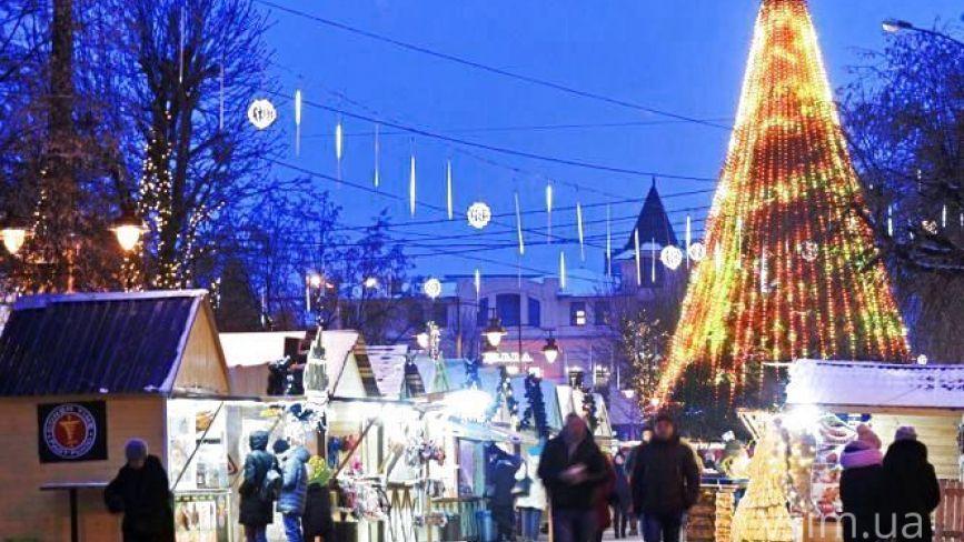 Світловий тунель та розширений фуд-корт: яким буде різдвяний ярмарок у Хмельницькому
