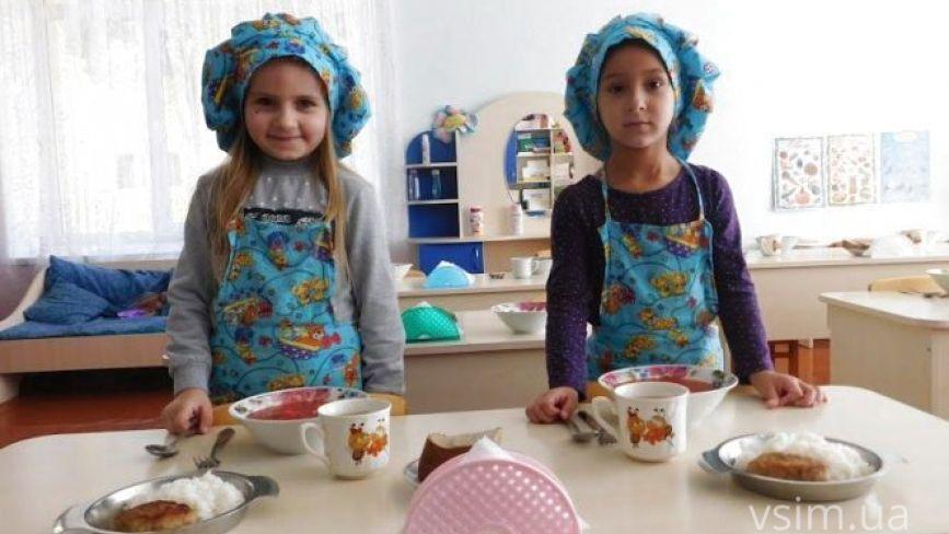 У Хмельницькому змінять вартість харчування у школах та садочках