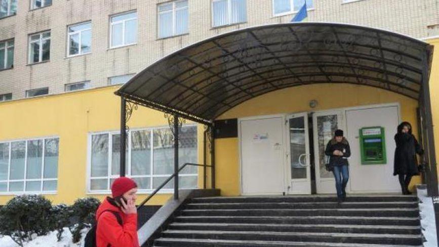 Як працюватимуть поліклініки та амбулаторії Хмельницького у новорічно-різдвяні свята