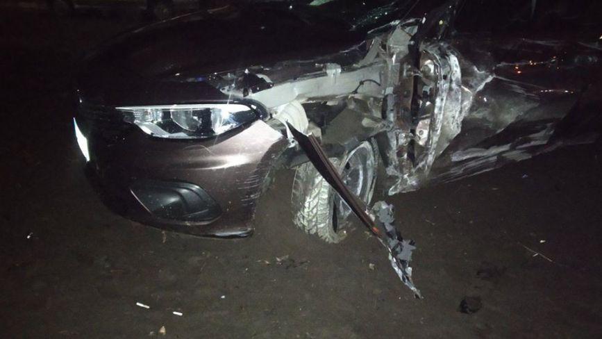 У Славуті нетверезий водій протаранив електроопору