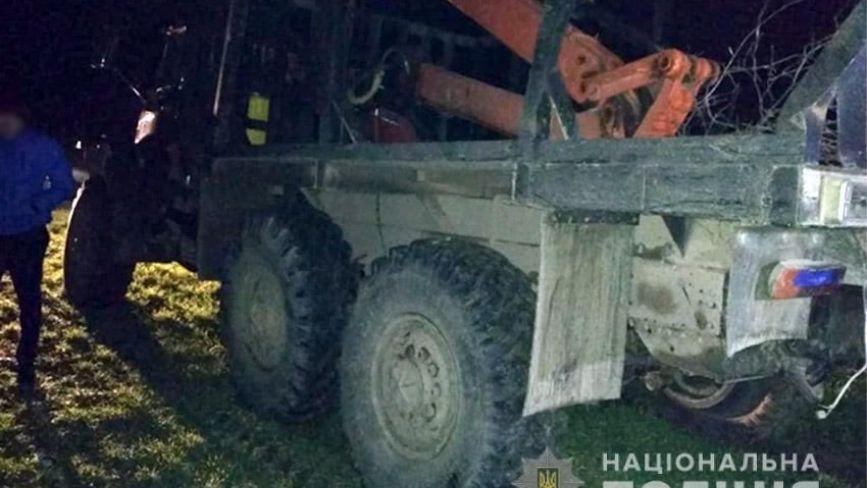 У Славуті «чорний лісоруб» під час затримання побив дільничного