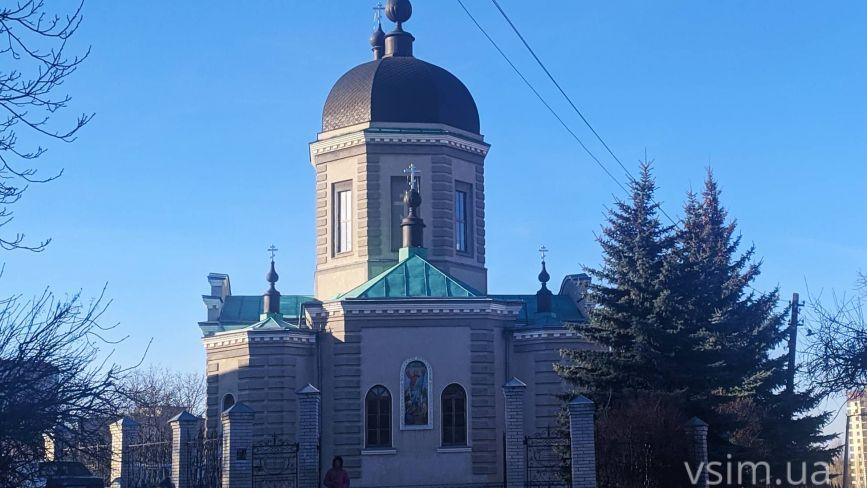 Історія собору на Володимирській розпочалася з каплички посеред кладовища