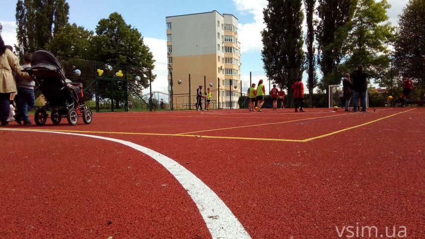 Ремонти спортмайданчиків у школах Хмельницького: де робитимуть у 2020 році (КАРТА)