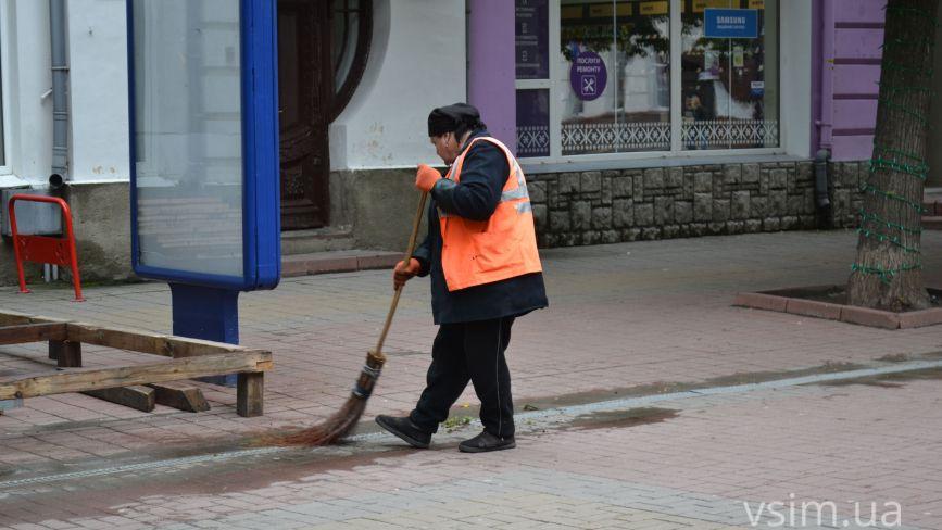 Хмельницький готується до приїзду Зеленського: що відбувається у центрі міста (ФОТО)