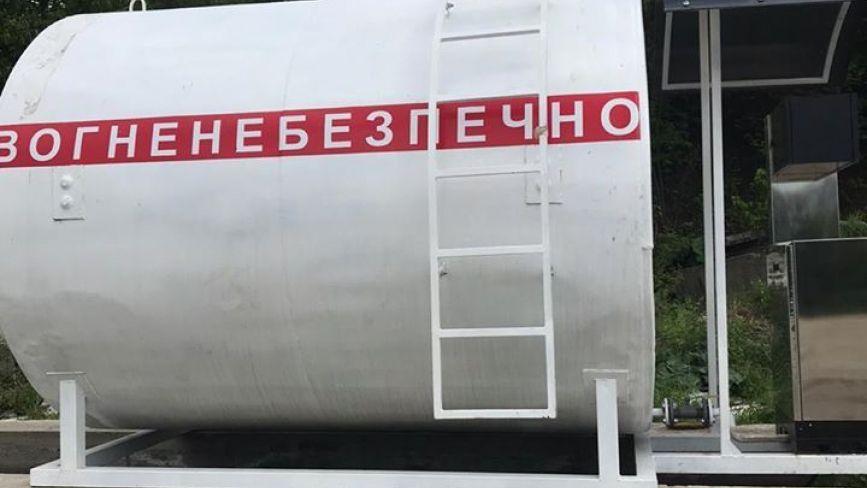 У Хмельницькому виявили нелегальну АЗС з пальним на чверть мільйона гривень