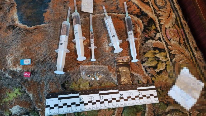 Вимагання та наркоторгівля: на Хмельниччині затримали злочинне угрупування