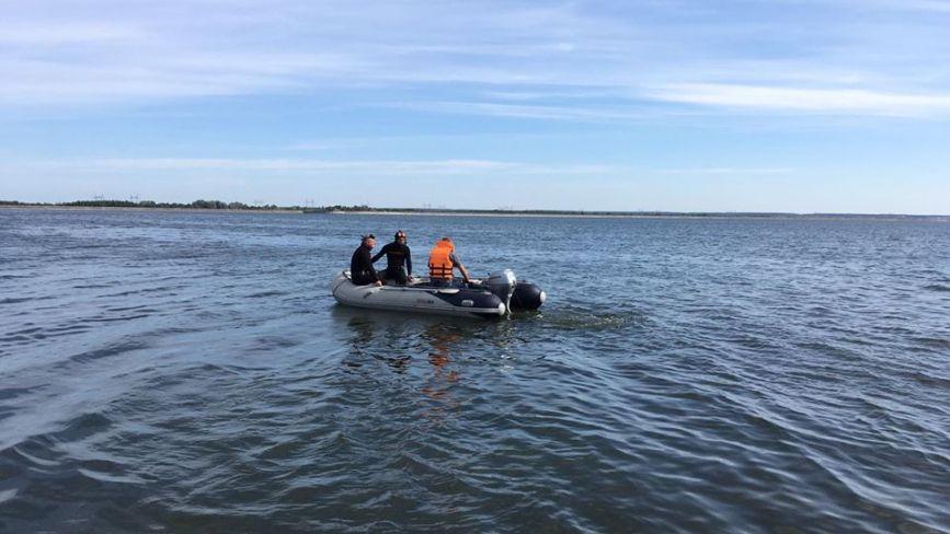На Хмельниччині уже третю добу шукають чоловіка, який зник під час підводної рибалки