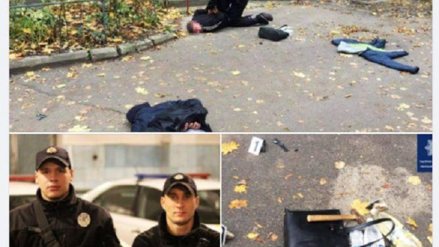 Вирвали сумку з рук. У Хмельницькому серед вулиці пограбували жінку