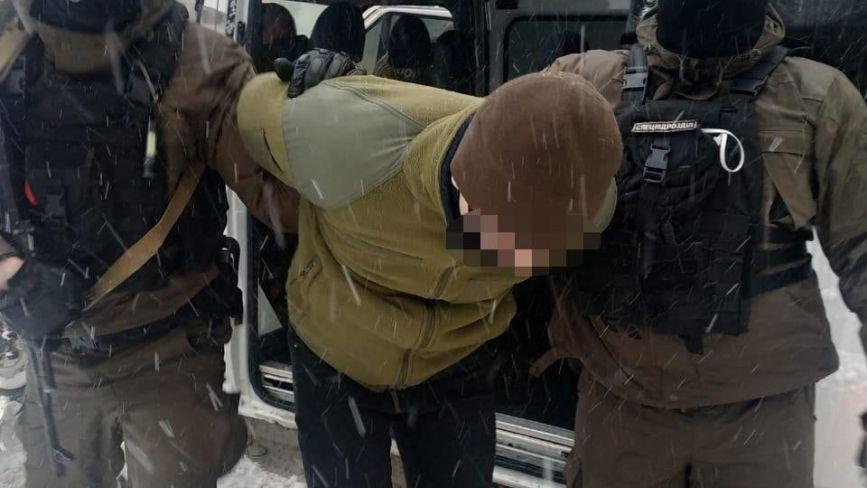 Хлопці з Хмельниччини познущались над пам'ятником Бандері у Львові. Що їм загрожує