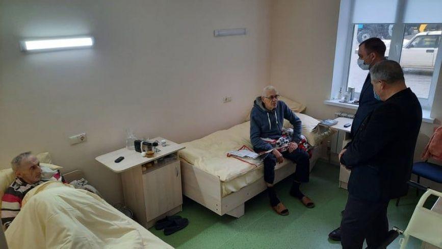 У Хмельницькому запрацювало відділення цілодобового перебування людей: які послуги там надають