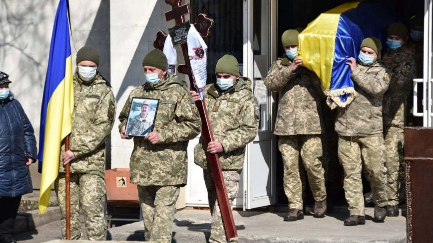 У Хмельницькому поховали загиблого на Сході бійця Віктора Пасєку (ФОТО)