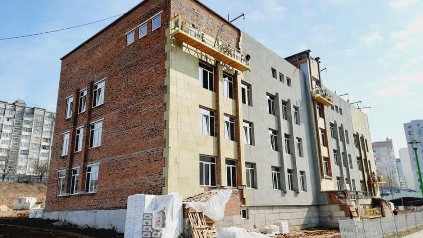 В міській раді розповіли, коли планують завершити будівництво школи на Озерній