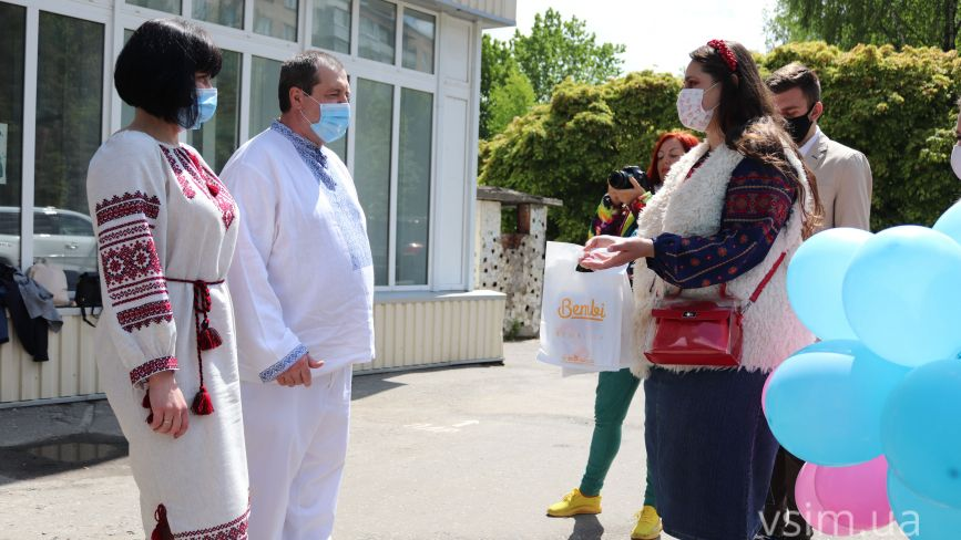 Вишиванки для новонароджених: кого і як вітали у Хмельницькому (ФОТО)