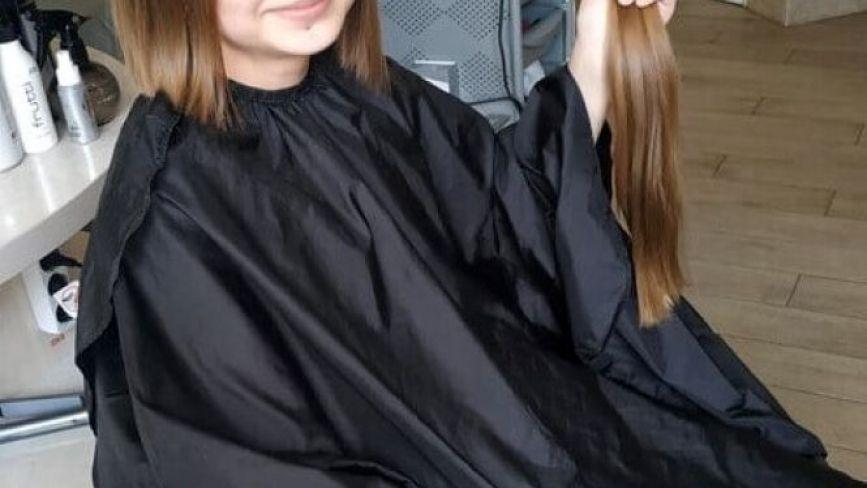 Ще дві школярки на Хмельниччині пожертвували своє волосся, аби врятувати 10-річну Валерію
