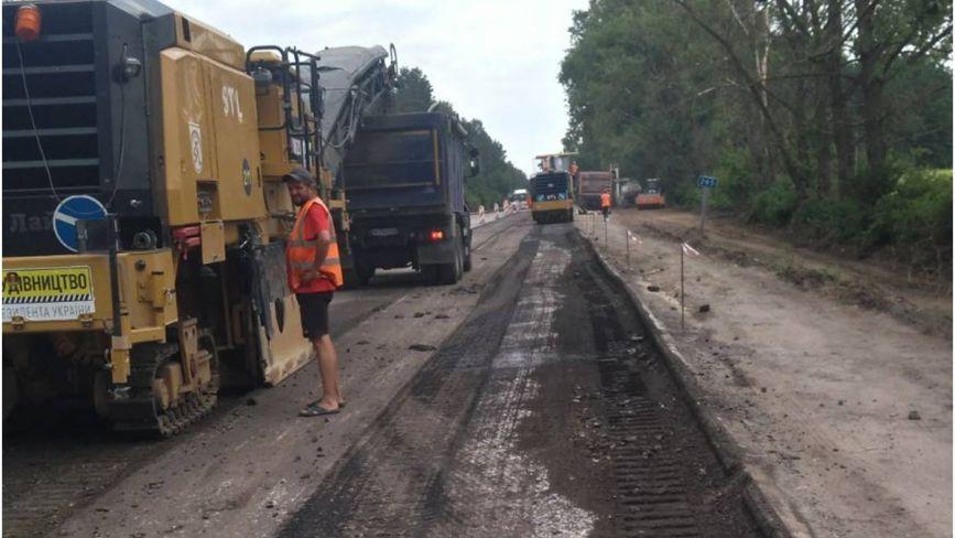 На Хмельниччині триває ремонт дороги Н-25 (ФОТО)