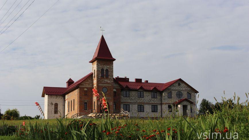Мацьківці поблизу Хмельницького стануть місцем паломництва. Там будують санктуарій