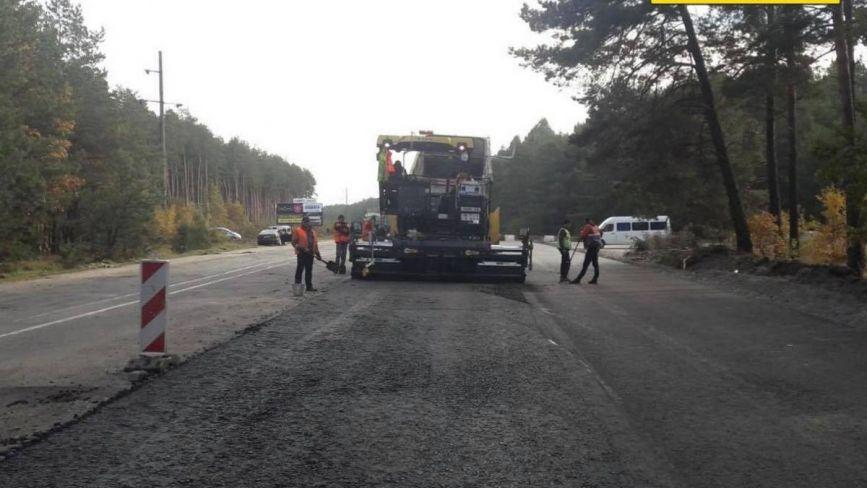 Ремонт дороги Н-25 на Хмельниччині: де ускладнений рух транспорту