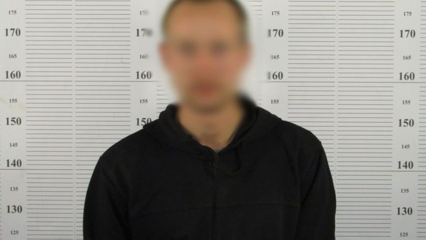 """Затримали 24-річного жителя Хмельниччини, який викрадав автівки """"покататись"""""""