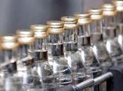 Мешканець Хмельниччини виготовляв спирт та горілку у власній підсобці