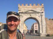 """Маршрут """"Хмельницький - Рим"""": навіщо Іван Лишик ходив пішки в Італію"""