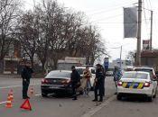 У Хмельницькому 28-річна водійка в'їхала в авто патрульних