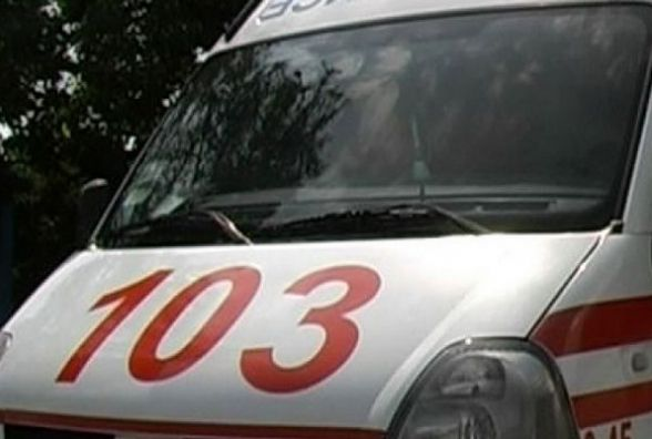 На Хмельниччині зіткнулись мікроавтобус і легковик. Загинула мама з однорічною дитиною