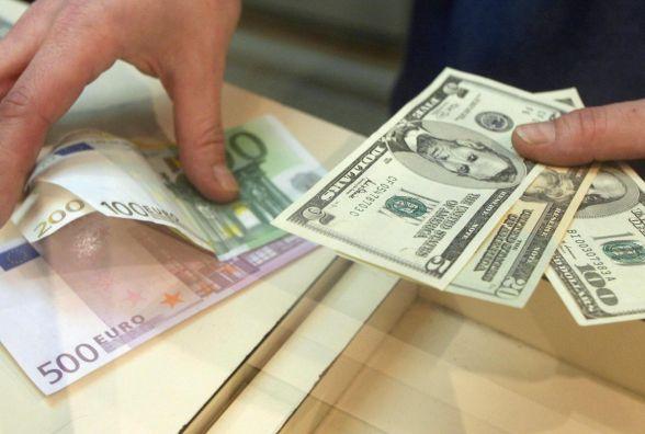 Долар і євро падають - курс НБУ на 5 січня