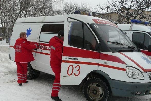 У Гречанах на зупинці померла 39-річна жінка