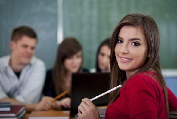 Хмельницьким старшокласникам «вріжуть» обов'язкові предмети