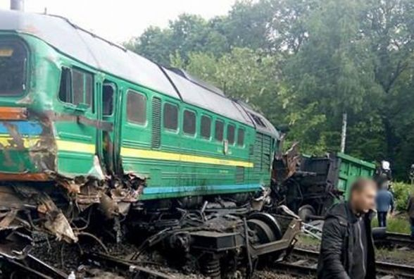 """""""Укрзалізниця"""" звільнила 10 працівників, винних в аварії потягів на Кам'янеччині"""