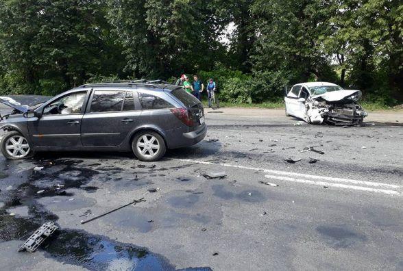"""ДТП з постраждалими на Вінницькому шосе: зіткнулись """"Renault"""" та """"Ford"""""""