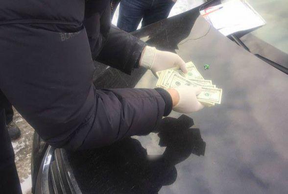 У Хмельницькому на хабарі затримали помічника депутата