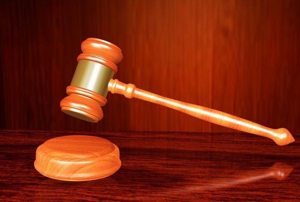 У Хмельницькому засудили парочку, яка побила інваліда