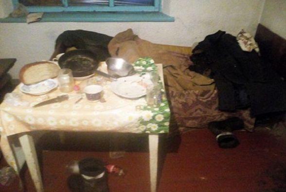 В Новоушицькому районі п'яний чоловік до смерті побив свого батька