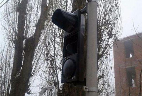 На Бандери через крадія не працює світлофор