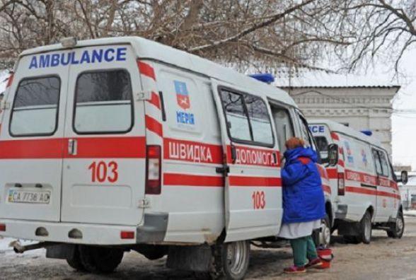 У Летичівському районі перекинулась іномарка і врізалась в дерево