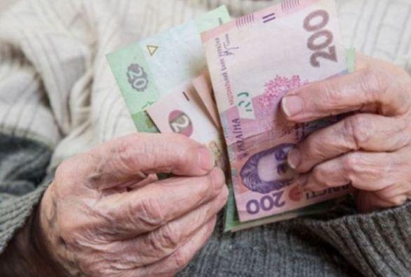На Хмельниччині у довірливої пенсіонерки виманили гроші за ліки
