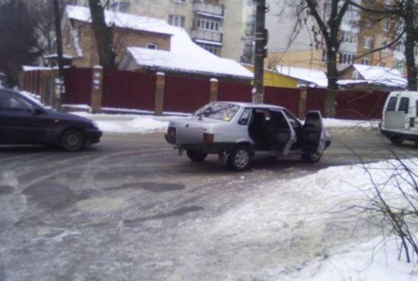 У Хмельницькому водій на «Ладі» збив дитину