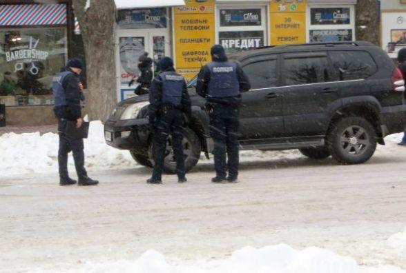 Водіїв просять не паркуватись на двох центральних вулицях Хмельницького