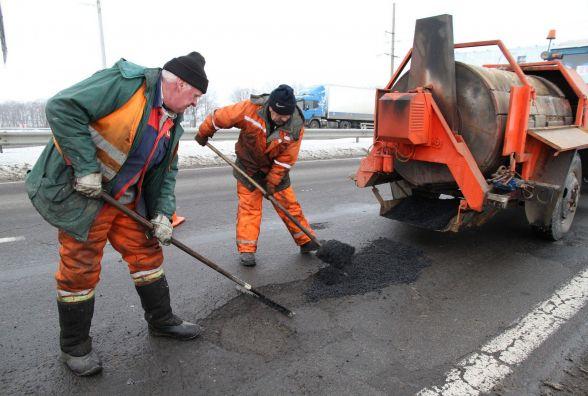 Хмельницька митниця дасть гроші на ремонт доріг в області