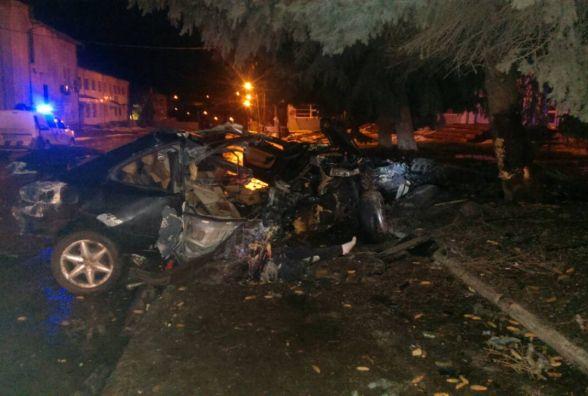 """В Городку """"Peugeot"""" влетів у електроопору. Пасажир загинув на місці"""